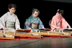 Koto performers
